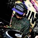 Def Tonez - Champion Bass Down Low (Def Tonez Mash-Up Edit)
